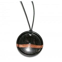 Pendentif en ébène et bois exotique en forme de pion de jeu de dames