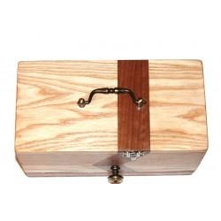 Boite à bijoux atypique en bois, une oeuvre en bois à découvrir