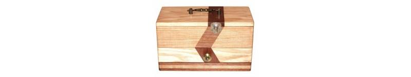 Toutes les boites à bijoux pour mettre à l'abri vos bijoux les plus précieux dans du bois noble.